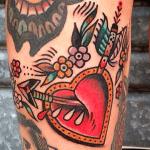 significado de tatuajes de flechas con corazones