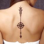 significado de los tatuajes de flechas en la columna