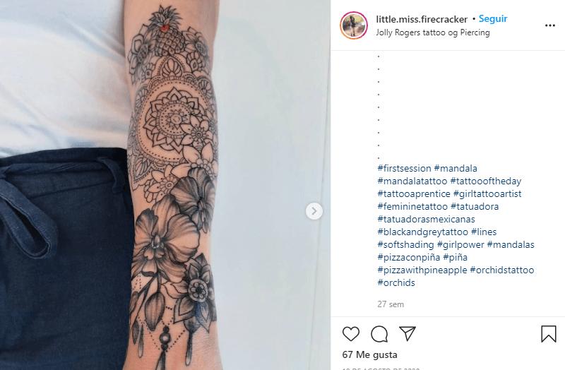 tatuajes de orquídeas rodeando el brazo