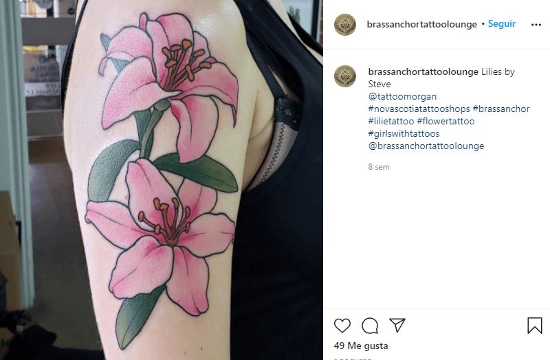 significado de los tatuajes de lirios de color rosas