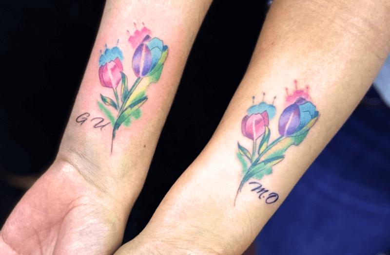 qué significado tienen los tatuajes de tulipanes