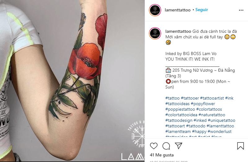 tatuaje de amapolas con flores rojas y naranjas